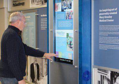 hospital-donor-digital-display-rail-wall-system-mgmc